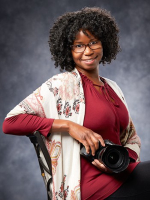 Photograph of Juliet Miles, a contemporary glamour portrait photographer in Colorado Springs.
